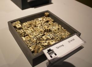 Kopior av tärningarna finns i museets shop.