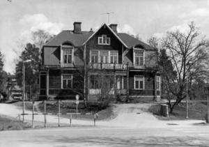 Birkahuset låg i området. Huset brann år 2000. Foto: Nynäshamns kommun