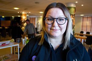 Anna Bergström, ordförande i Vårdförbundet i Gävleborg, är missnöjd med Region Gävleborgs sätt att följa det nya löneavtalet.