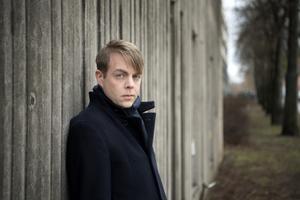 Deckarförfattaren och kriminologen Christoffer Carlsson är dubbelt aktuell. Foto: Jessica Gow/TT
