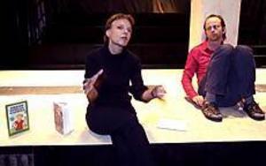 Gunilla Hebert är skolbibliotekarie och kvinnan bakom lästävlingen Bokslukaren. Hon samarbetar med bland andra Skottes musikteater i ett jämställdhetsprojekt och regissören Rolf Berlin sätter upp pjäsen Leka Tre. Foto: LEIF JÄDERBERG