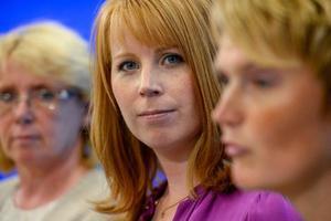Centerpartiets tre kvinnliga statsråd var alla med och presenterade partiets nya förslag till miljöprogram i går. Från vänster Lena Ek, Annie Lööf och Anna-Karin Hatt.