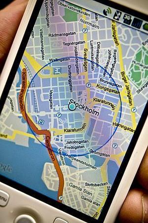 Turistguider för mobilen finns i flera städer, i Sverige och utomlands. Ibland laddas de ner som mp3-filer, ibland ringer man ett nummer och trycker in en kod för den sevärdhet man befinner sig vid.