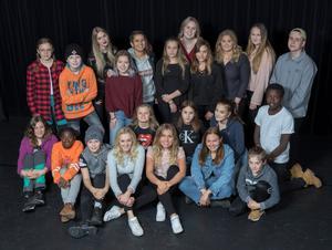 Dessa 22 talanger ska uppträda nu på lördag i Moraparken. Fotograf: Mora fotoklubb.