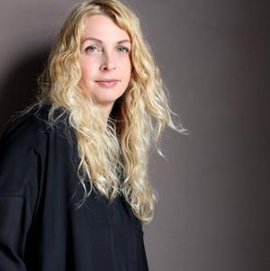Den brittiska inredningsdesignern Abigail Ahern är hedersgäst på Formex-mässan. Hon använder sig gärna av mörka färger och hennes stil beskrivs som ombonad och excentrisk.Foto: Formex