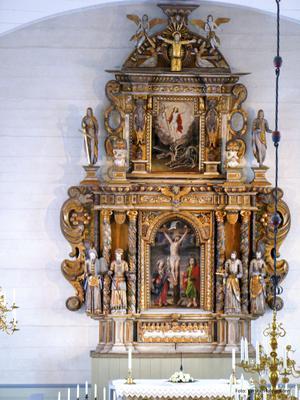 Altaruppsättningen från Hudiksvalls kyrka, som  ansågs omodern 1796 och såldes till Solfs församling Foto: Karolin Wargh,Solfs församling