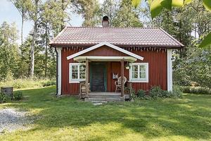 6. Fritidshuset i Köping fick 34 794 klick. Mäklare är Linda Hjalmar på Fastighetsbyrån Köping.
