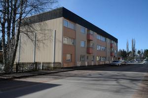 Nu är dagarna räknade för HVB-hemmet i Skokartongen, minskat behov gör att det åter kan bli vanliga lägenheter i huset.