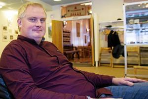 Tidigare moderatpolitikern Fredrik Röjd, numera Ljusdalsbygdens parti, vill pröva nedläggningsbeslutet.