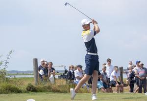 Pontus Nyholm under lördagens EM-final i golf. Han spelade stabilt och vann sin match mot Alex Fitzpatrick, England. Bild: Ulf Nilsson