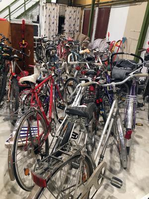Under vintern fylls lagret med bättre begagnade cyklar på.