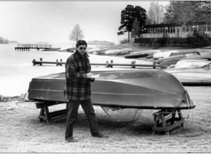 Vinterbilden 1993. Årets modell: Ulf Eneroth. Medeltemperatur: +-0. Nederbörd: 57,2. Foto: Lennart Forsberg.