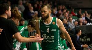 Simas Buterlevicius stängde matchen mot Wetterbygden med Södertäljes tre sista poäng.