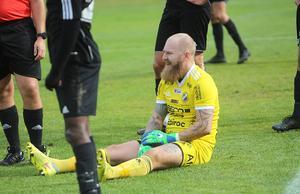 Mitt i andra halvlek blev en helt kraftlös Daniel Lövgren sittande en stund, några sockerbitar senare kunde han fortsätta och Fagersta Södra ösa på till en stor seger.