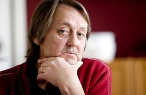 Åke Söderman, S, anser att partiet borde debattera mer och öppnare. Själv tror han starkt på Veronica Palm som Mona Sahlins efterträdare.
