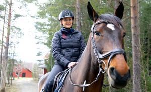 Stina Martinsson rider för Bollnäs igen efter några år som Gävleryttare.
