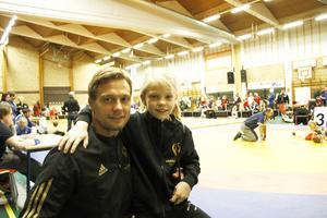 Jimmy Samuelsson besökte Valbo Sportcentrum med sin dotter Amelia, som vann klassen flickor yngre 29 kilo.