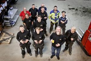 Nu ska magen bort! 12 av de 18 medlemmarna i GIA:s viktklubb samlade på bild.