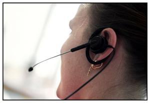 Försäkringskassans kunder klagar på överhörning. Det vill säga: kunderna störs av att de hör andra handläggares samtal med andra kunder.