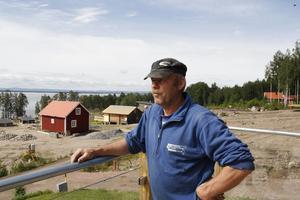 Sven-Åke Persson driver sedan tidigare Dellendröm som bland annat har stuguthyrning i Fönebo.