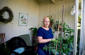 """Det är klart att jag har varit jätteledsen över att ha fått den här sjukdomen, men det är ju bara som det är. Men för att vara sjuk är man väldigt frisk"""", säger Monica Blomberg."""