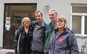 Vänsterpartiet vill göra privatiseringarna till valfråga.-- I Dalarna plockas 92 miljoner ut i vinster inom vård, skola och omsorg.Lena Olsson, Thomas Ylvén, Krister Andersson och Ulla Andersson.FOTO: SYLVIA KJELLBERG
