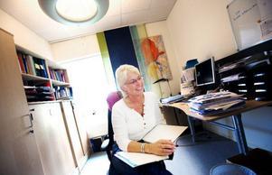 """Folkhälsoinstitutet vill få svenskarna att ändra livsstil och att de därmed slipper ta vissa mediciner. """"Jag som dietist i grunden kan lova att en nyupptäckt diabetiker kan leva ett normalt liv utan mediciner genom att i stället röra på sig och äta hälsosammare"""", säger Elsa Rudsby Strandberg, tillförordnad avdelningschef, avdelningen för levnadsvanor.  Foto: Håkan Luthman"""