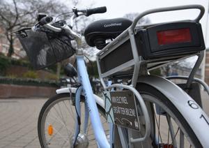 Elcykel med batteri. Ta elcykeln till jobbet. Backar och motvind? Med den lilla elmotorns hjälp forcerar du alla hinder - utan att bli utpumpad på kuppen. Elassisterade cyklar har blivit en stor fluga på kontinenten.