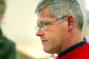Enhetschefen vid Hedbergska, Björn Swedén, hävdar att skolan rapporterat ett antal elever under förra läsåret - något som sägs emot av CSN:s statistik som visar att inte en enda elev rapportrats.