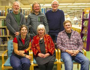 Jerker Kolare, Lelle Jonsson, Ivar Amundsson, Paula Daabach, Bodil Halvarsson och Daniel Lindberg bidrog till en helkväll med skitsnack i Hede.