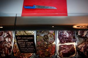 Lokalproducerat kött säljs direkt över disk i Kulinariet.