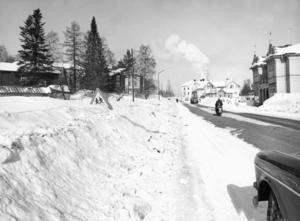 Så här såg det ut efter Långgatan upp mot Norra torget 1966.