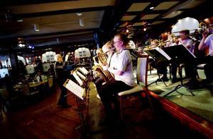UNGT STORBAND. Gamla GUBB blev för gamla, så nya förmågor har nyligen tagit över. Konserten i går var orkesterns första tillsammans.