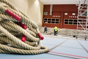 En välgörenhetsmatch mellan Strand och elitserielaget Spårvägen inviger den nya idrottshallen i Ljusne.