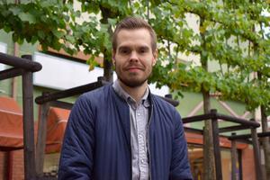 Andreas Varro, 32, var hemma i Dalarna på besök här om dagen.