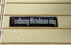 Gamla städer med självaktning ville förstås ha gator uppkallade efter kungligheter. Här Kristinegatan i Säter.