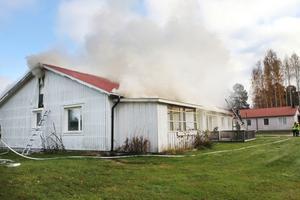 En kupévärmare kan ha varit orsaken till att branden startade.