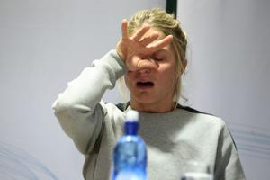 Therese Johaug under gårdagens presskonferens.