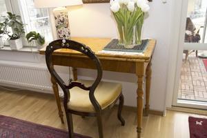 Spelbordet fanns hemma i prästgården  hos Kristinas föräldrar och användes som altare.