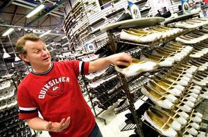 Pionjär. Thomas Johansson på Skohuset i Kupolen lär vara den förste svensk som öppnar en skobutik i sydöstra Kina. I augusti öppnar han en butik i 6-miljonersstaden Nanning, cirka 20-30 mil från gränsen till Vietnam.