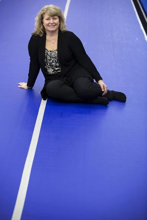 My Lindskog Andersson blev ledare för sin första gymnastikgrupp som 16-åring. Nu är hon sektionsledare för dem som håller på med kvinnlig artistisk gymnastik i Östersund. Hon är också med i en nationell grupp som ska utveckla den delen av gymnastiken.