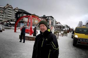 Knut Larsen är på semester i Åre, men tycker mer om att åka i Duved. – Man får se till att hitta rätt backar, säger Knut.