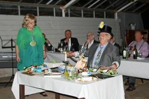 Lennart Eng överraskades med stort 70-årskalas där Agneta Svedberg höll i trådarna.