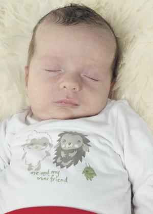 Malin Nääs Husby och Johnny Husby från Tällberg fick den 8 januari en son som heter Erik. Han var 50 cm lång och vägde 3 700 gram. Syskonen heter Alexander och Martin.