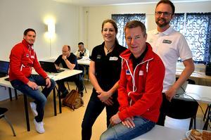 Pär Näslund. Jenny Lindblom, Anders Ekblom och Mathias Sundin var med vid uppstarten av Hela Vägen i Ånge, ett EU-finansierat arbetsmarknadsprojekt med långtidsarbetslösa som målgrupp.
