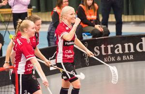 KAIS Mora, med Anna Wijk som poängledande spelare, skickade under måndagskvällen ut Karlstad ur sin kvartfinalserie.