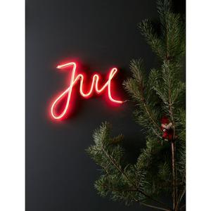 LED-belysningar i form av bokstäver och ord är suuuupertrendigt. Nu finns en även till jul. LED-skylt från Markslöjd, 469 kronor på Bauhaus.
