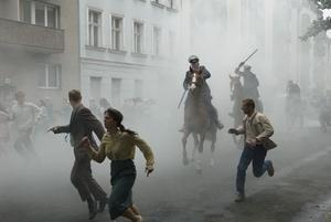"""Upp till Kampf! Tidsandan i """"Baader-Meinhof complex"""" är oklanderlig och gör filmen till ett episkt drama, ett europeiskt svar på Steven Spielbergs """"München""""."""