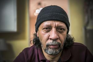 Ahmed Rizk lever under ständig press för att han och hans barn ska kunna överleva.