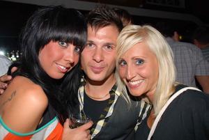 Blue Moon Bar: Ulrika, Andreas och Catrin